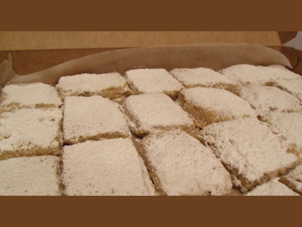 spanish almond cookies feat