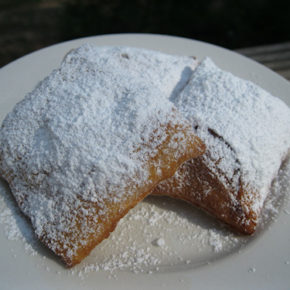 Beignets: A Deep-Fried Indulgence