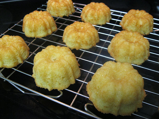 9 almond cakes