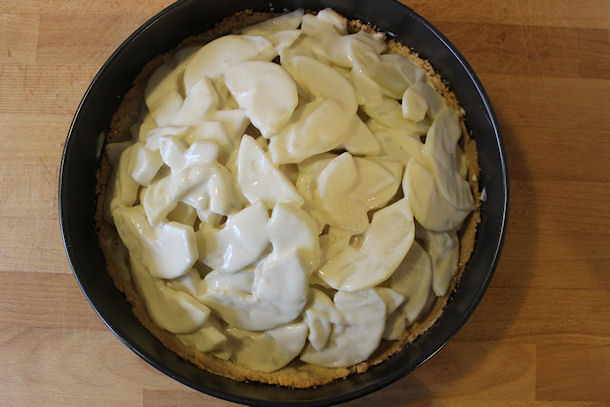 16 crust with pears
